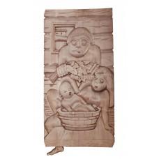 """Деревянное панно для интерьера бани/сауны """"Семья в бане"""" 34х69 см.."""